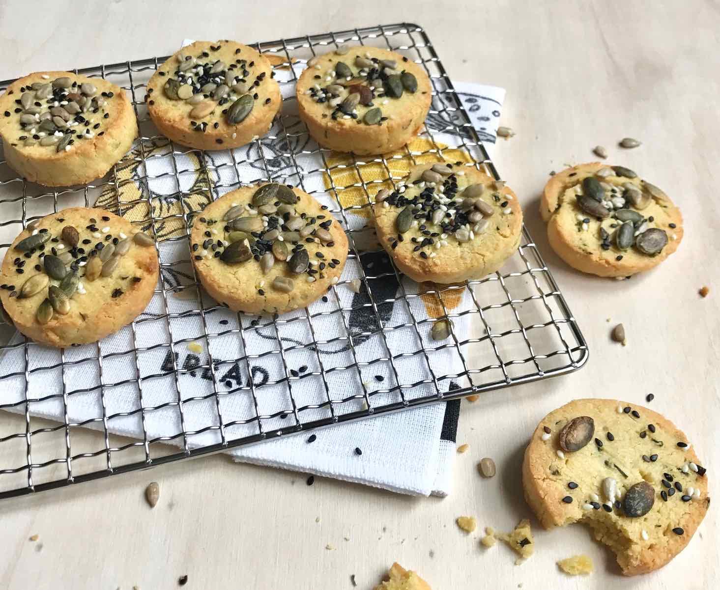 recette rapide de biscuit sal pois chiches amandes. Black Bedroom Furniture Sets. Home Design Ideas