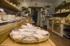 fromager sélection de fromage marché aigre blog culinaire labelaure