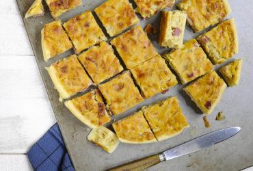 Une idée de recette express pour vos soirées cocooning : la tarte aux oignons de Roscoff