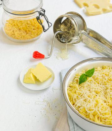 Les coquillettes au beurre et au fromage fondu de ma grand-mère Bonne-Maman