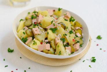 La meilleure recette de salade tiède de pommes de terre au cervelas !