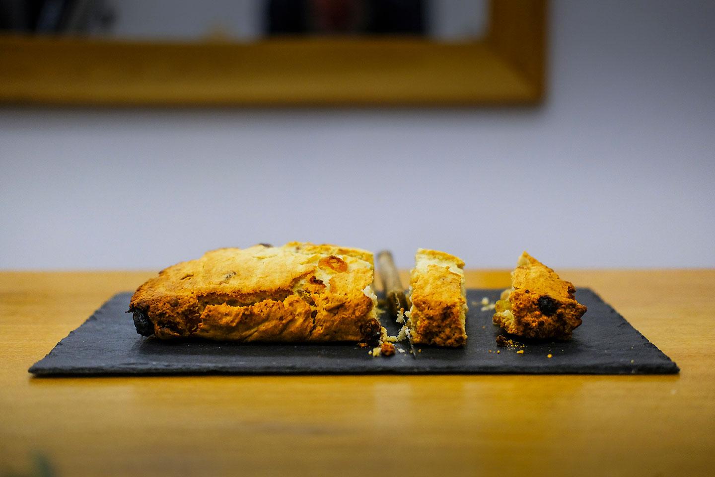 On adopte la recette des scones de Cédric Grolet avec ou sans crumble aux amandes